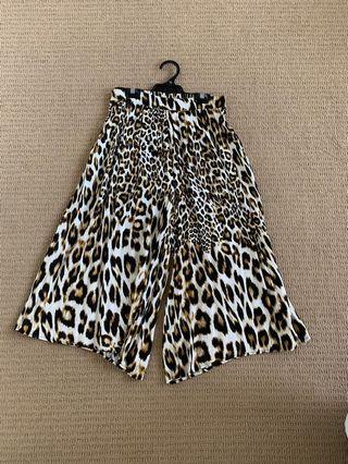 Bardot size 8 culottes