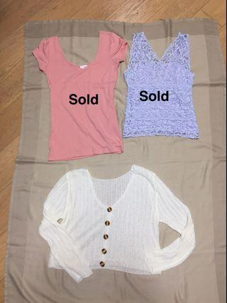 $100 for 3 cute ladies top in perfect condition 99.9% NEW!