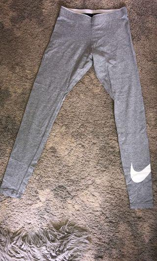 Nike leggings size 8