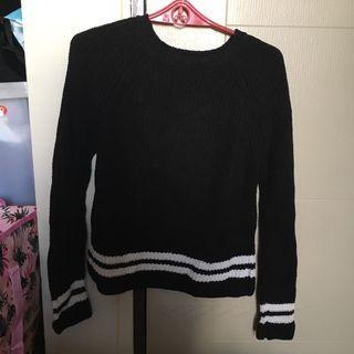 Zara knit sweater w/ white detail