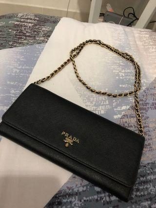 Mirror prada wallet on chain (bisa dilepas) good condition