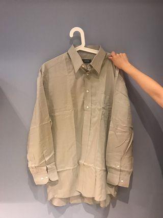 🚚 HUGO BOSS 男版灰色襯衫(正品)