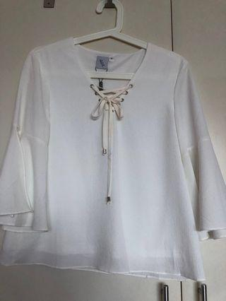🚚 The stage walk White Blouse (brand new, size m)