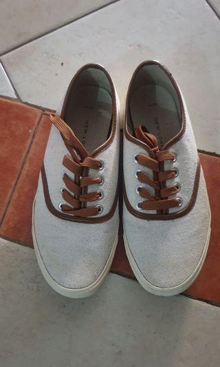Preloved sneakers new look
