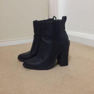 Black Lipstik Boots