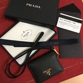 PRADA Saffiano 防刮牛皮黑色識別證卡夾