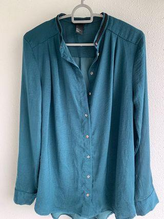 🚚 H&M green top US2 EUR 32