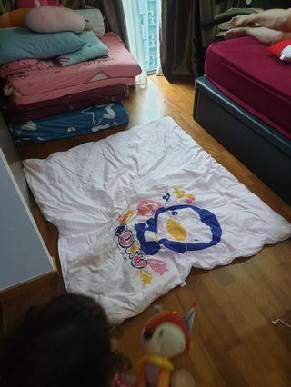 Kids comforter.