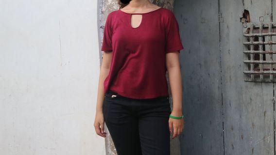 Baju Kaos merah