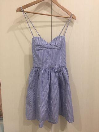 🚚 細肩露背藍白條紋洋裝 可調節 渡假風