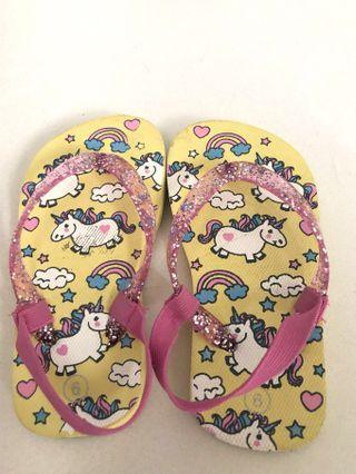 Little Girl's sandals #junetogo