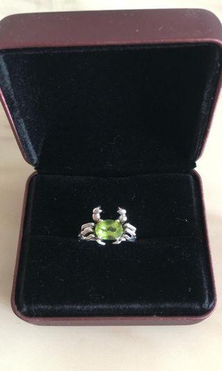 Olivine in silver ring 銀戒鑲橄欖石