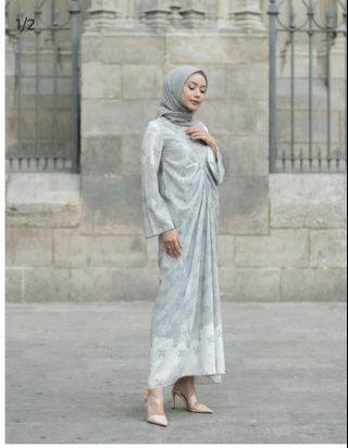 Alyssa dress Silver by Wearing Klamby