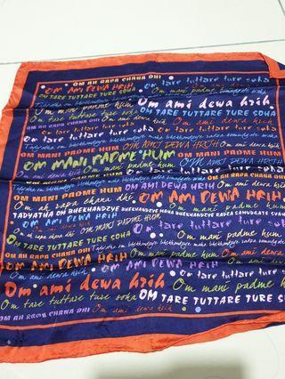 Lilian too's scarf