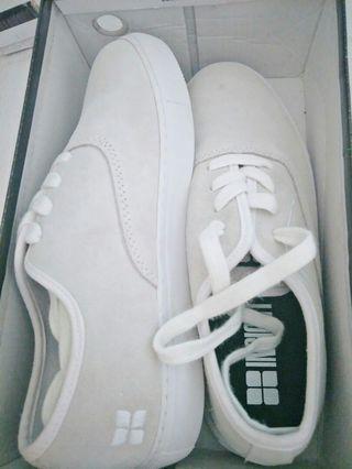 sepatu INSIGHT ori