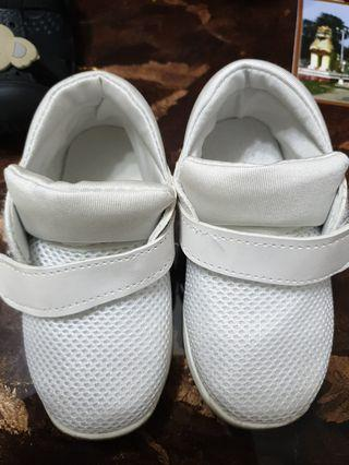 White Baby Shoes 26 ( 17cm )