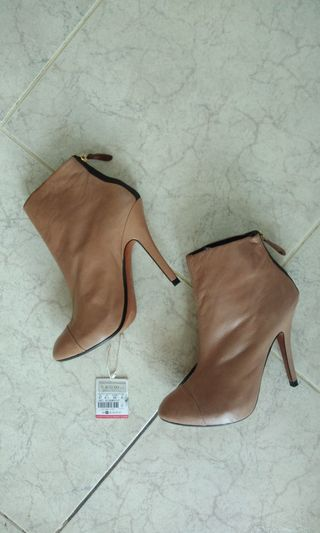 3a77480b6af boots size 7 zara | Shoes | Carousell Philippines