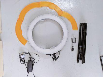 """18"""" RINGLIGHT WITH STAND AND BAG FOR RENT (ADDITIONAL BACKDROP RENTAL)"""