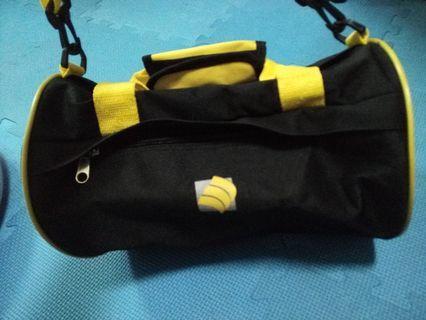 🚚 運動用側背包