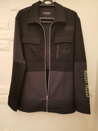🚚 CPTN HOOK 武裝明朝 薄拼接外套背有低調圖樣 肩寬50 L號 適合夏季