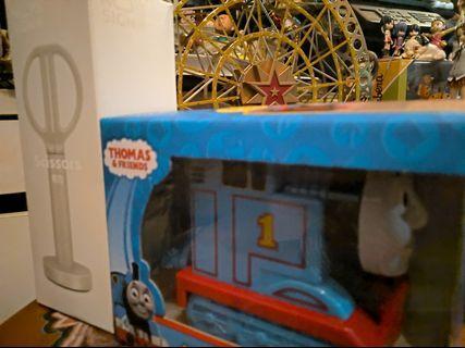 購物滿$500免費贈送Thomas筆刨機及座檯剪刀組合