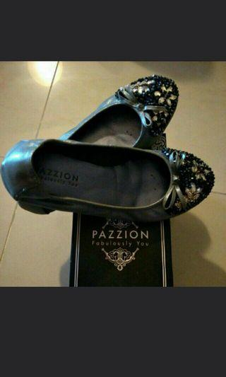 PRICE FURTHER REDUCED! Real photos! Pazzion ballerina flats size 38 almost new