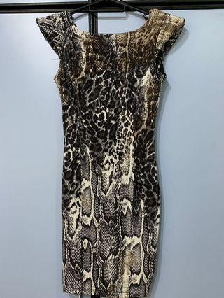 🚚 Miss Selfridge Snake-Print Bodycon Dress