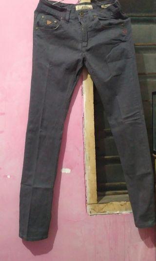 Celana panjang guess