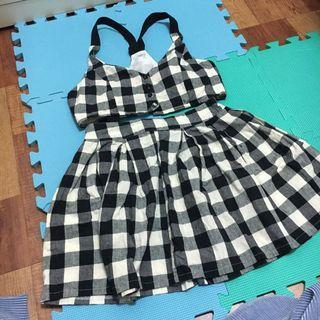 🚚 兩件式格紋吊帶衣&格裙