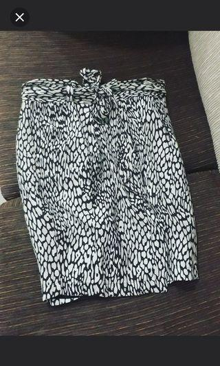 Zara Printed Black & White Wrap Skirt