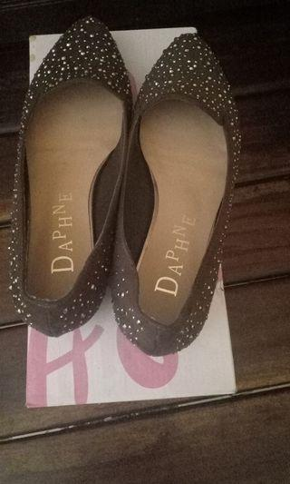 Sepatu Hels Daphne