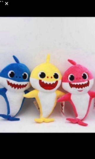Instock pinkfong babyshark pushie dolls brand new buy 1 for $18 .. whole set 4 pcs for $62 .. while stock last !! .. *no music
