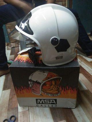 Helmet(Bomba)..harga RM650.00..blh runding  kol 0176751790
