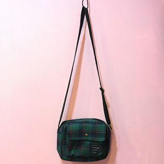 [彩色櫥窗]橫版綠色格子百搭布章小包