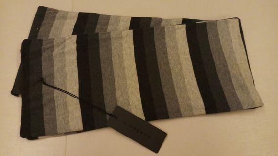 正版 全新 未剪牌 Giordano 男裝 女裝 童裝 中性 黑灰橫間調子 純棉頸巾一條