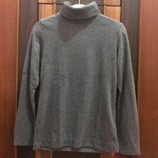 Turtle neck uniqlo new