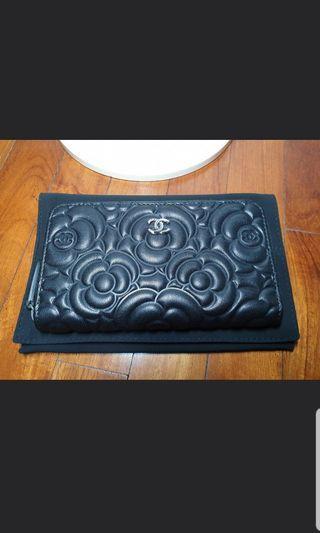 Chanel 19P Medium Zippy Wallet