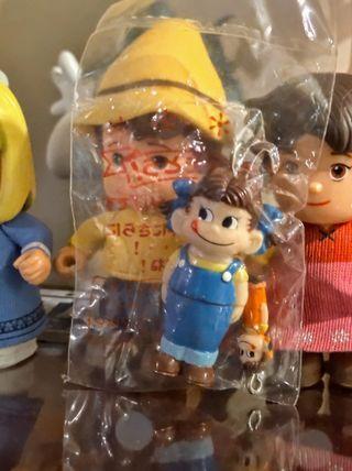日本稀有牛奶妹Peko小型人形掛飾