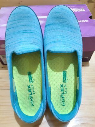 Sepatu Skechers Goflex