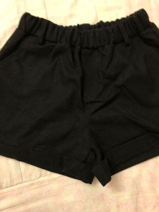 黑色保暖韓版短褲
