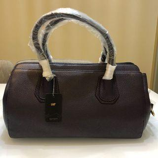 Braun Büffel (Authentic) Ladies Leather Handbag