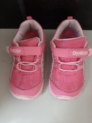 Sepatu anak OshKosh