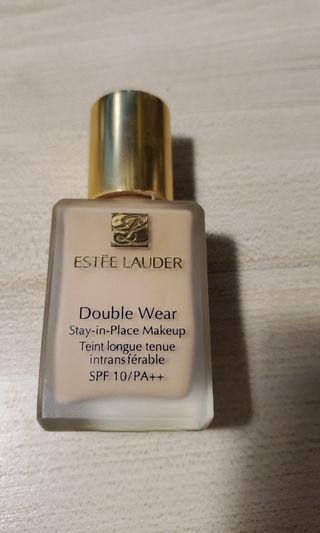 Estee Lauder 粉底液 2w0