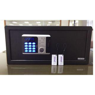 🚚 New Model ~TITAN Brit 2535 and 2043 RFID Safe - Free Delivery!