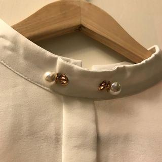 🚚 全新珍珠領雪紡襯衫