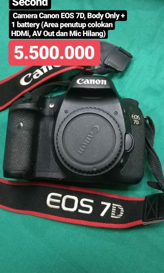 Camera Canon EOS 7D, Body Only + 1 battery (Area penutup colokan HDMi, AV Out dan Mic Hilang)
