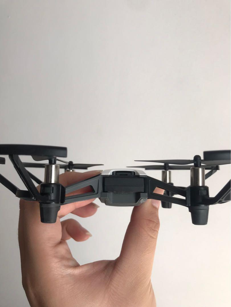 Dji Tello Mini Drone (Include Case, Battery, etc)