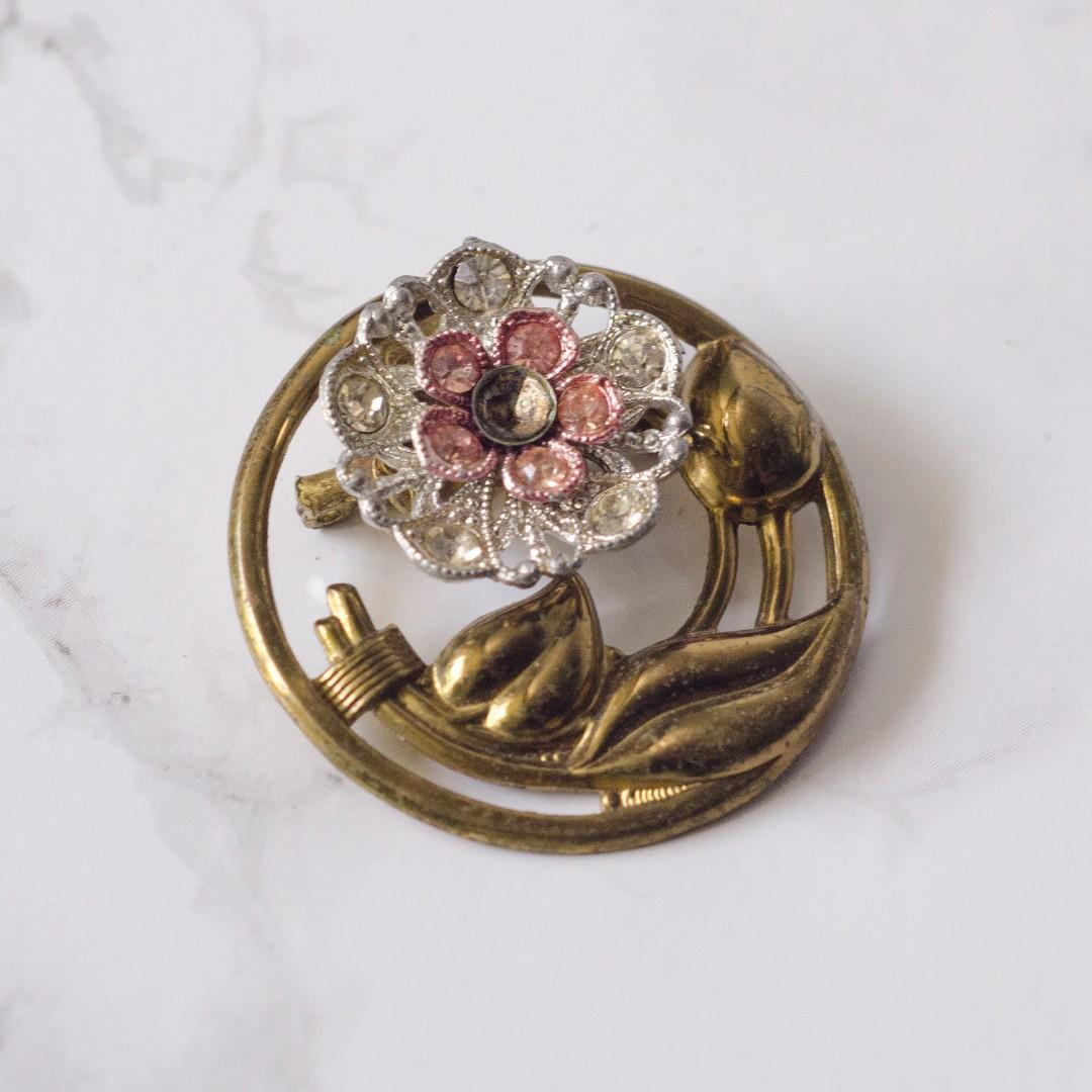 Gold tone rhinestone pink and silver flower brooch