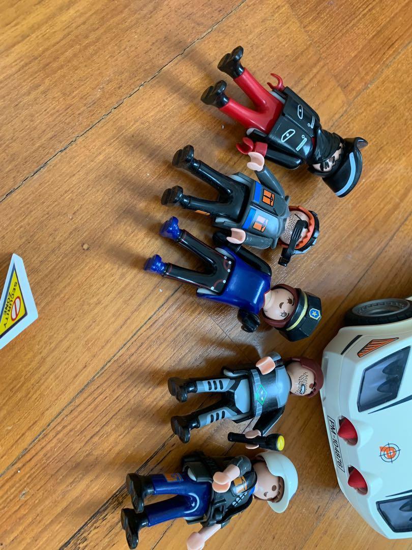 PLAYMOBIL secret agent car and figurines