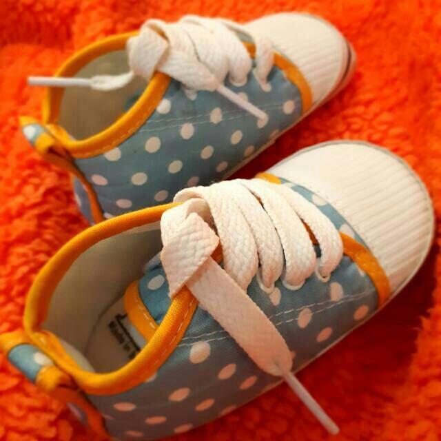 Sepatu bayi masih baru